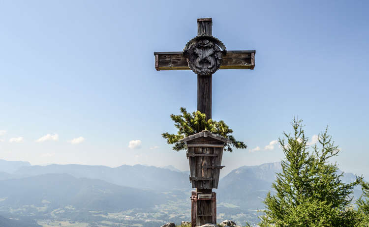 Das Gipfelkreuz auf dem Kleinen Jenner