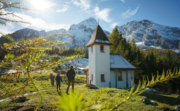 Kühroint Alm und Kapelle