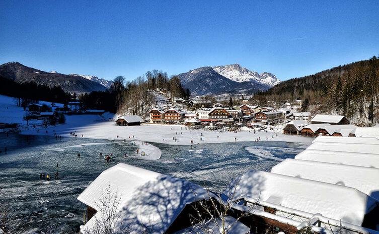 Seelaende Koenigssee Zugefroren Winter